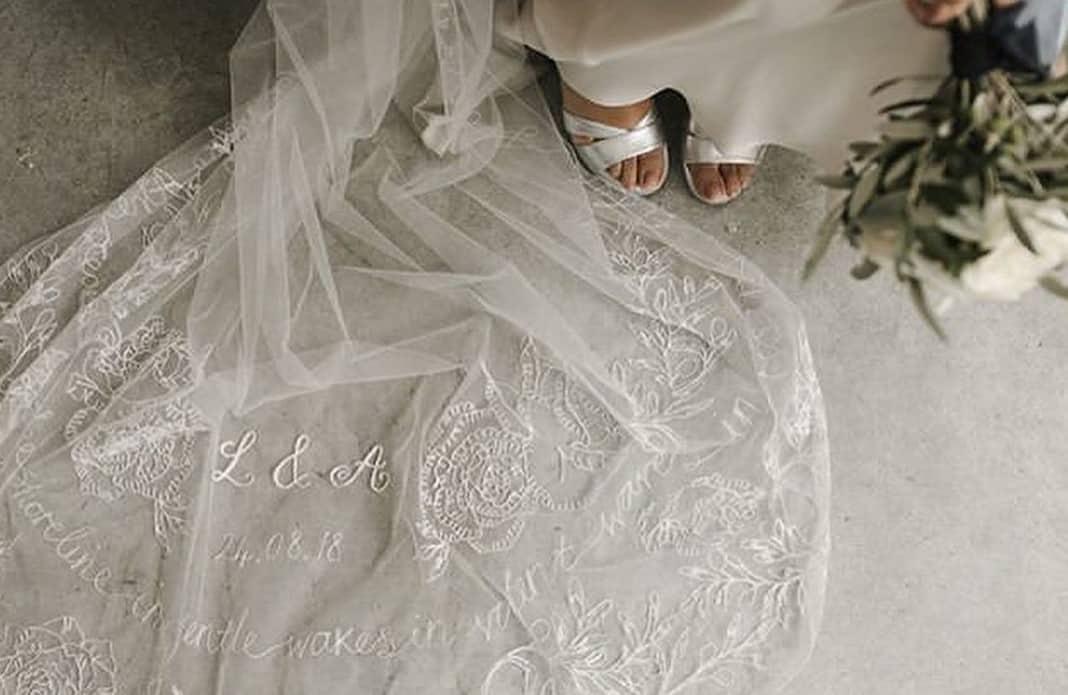唯一無二*刺繡の名前入りウェディングベールが素敵すぎる♡のカバー写真 0.650749063670412