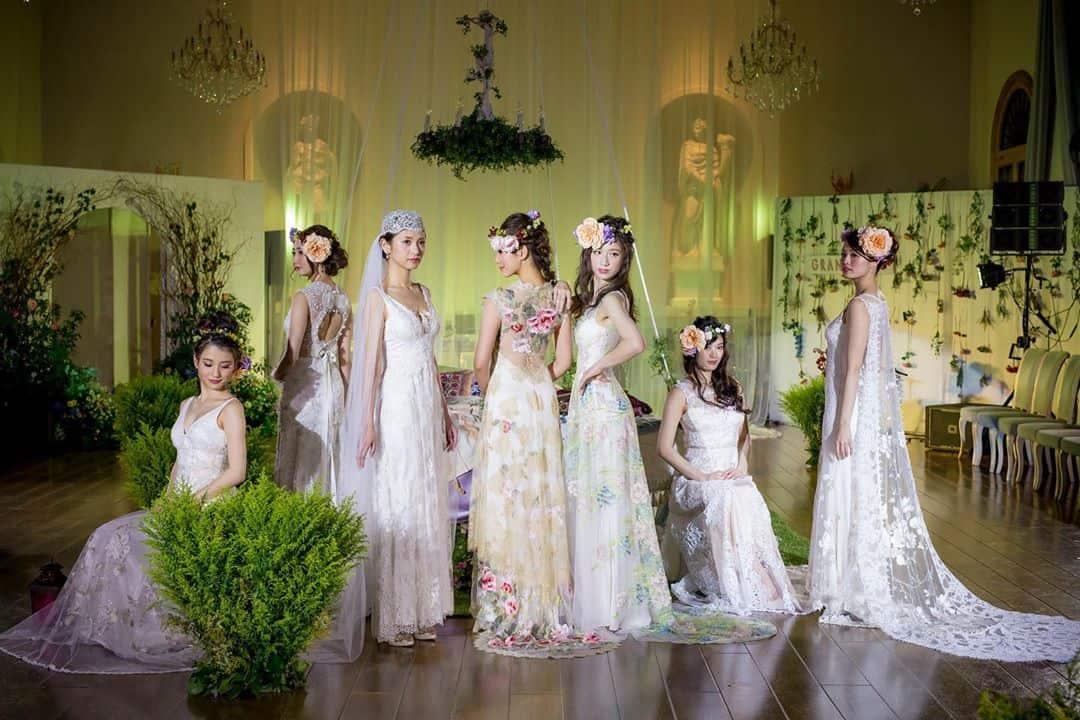 グランマニエのウェディングドレスがおしゃれすぎ!レンタル価格とインポートドレス&和装23選のカバー写真 0.6666666666666666