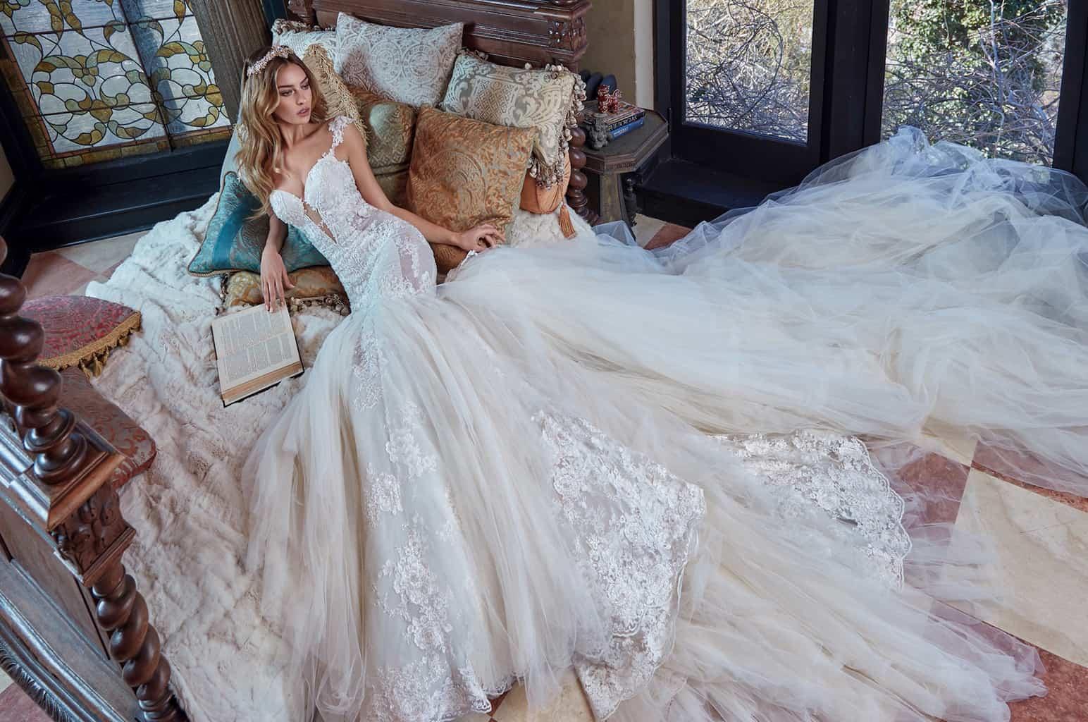 マグノリア・ホワイトから新作のウェディングドレスが登場!ガリア・ラハヴや日本初上陸のブランドものカバー写真