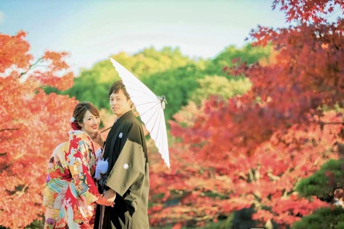 秋こそ撮りたい!紅葉が美しい和装前撮りまとめ♡のカバー写真