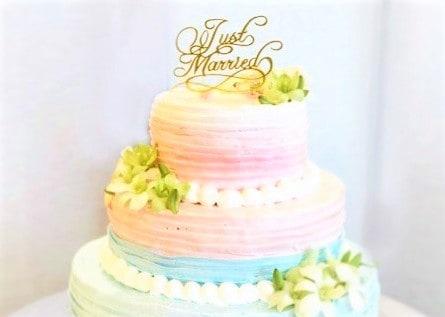 グラデーションが綺麗*オシャレなウェディングケーキデザイン12選のカバー写真
