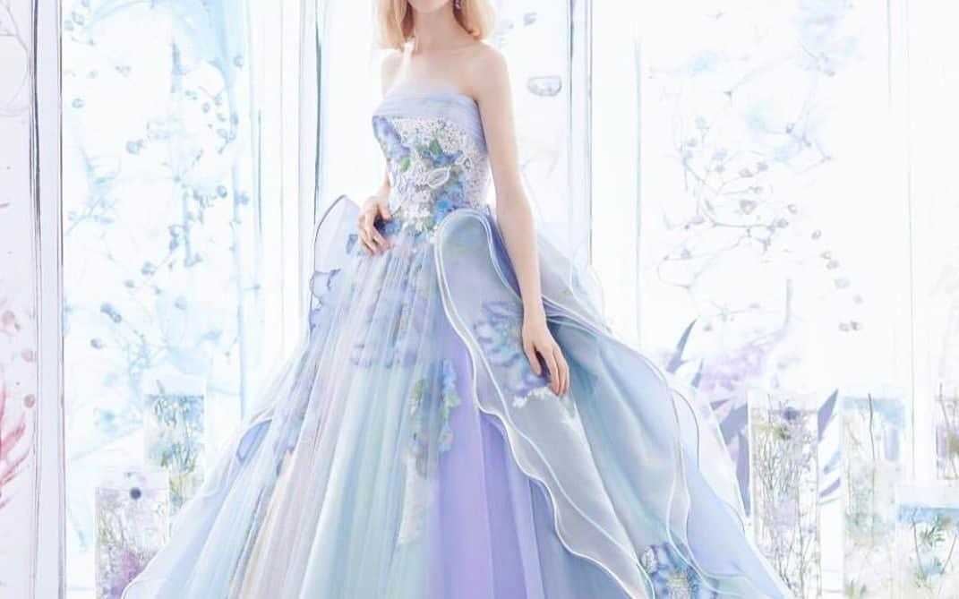 公式インスタで紹介した♡人気の【ブルー・グリーン・グレー】のカラードレス15選♡のカバー写真