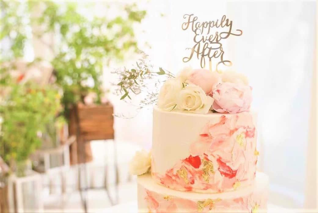 花嫁さんの間で話題♡ウェディングケーキはマーブル柄にするとイマドキでおしゃれ!のカバー写真