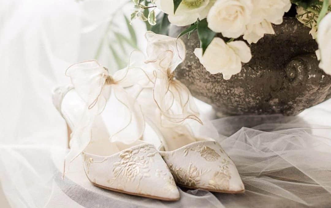 美しいデザインが人気♡Something Bleu Shoesのブライダルシューズ特集のカバー写真