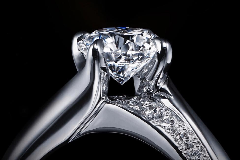 《世界No1ダイヤモンド》エクセルコダイヤモンドの婚約・結婚指輪の特徴と口コミのカバー写真