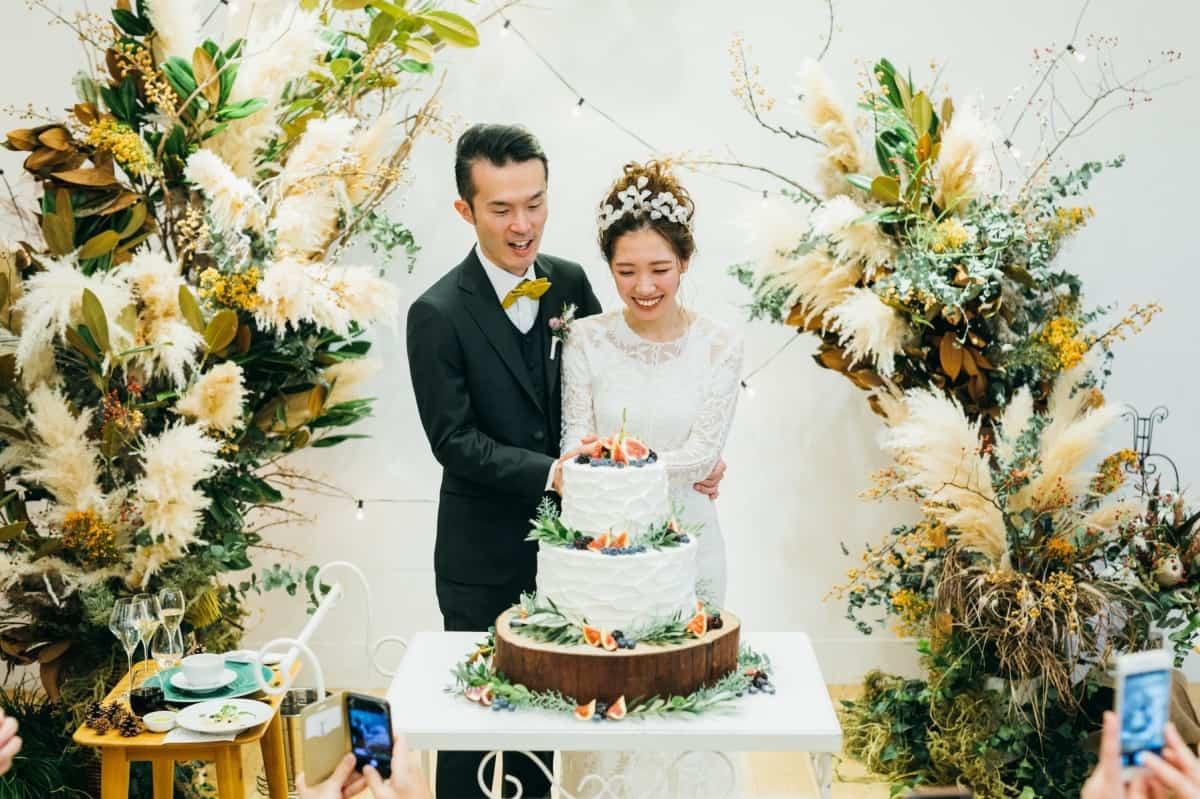 結婚費用の相場を徹底解説!式の費用を安く済ませる方法もご紹介♡のカバー写真