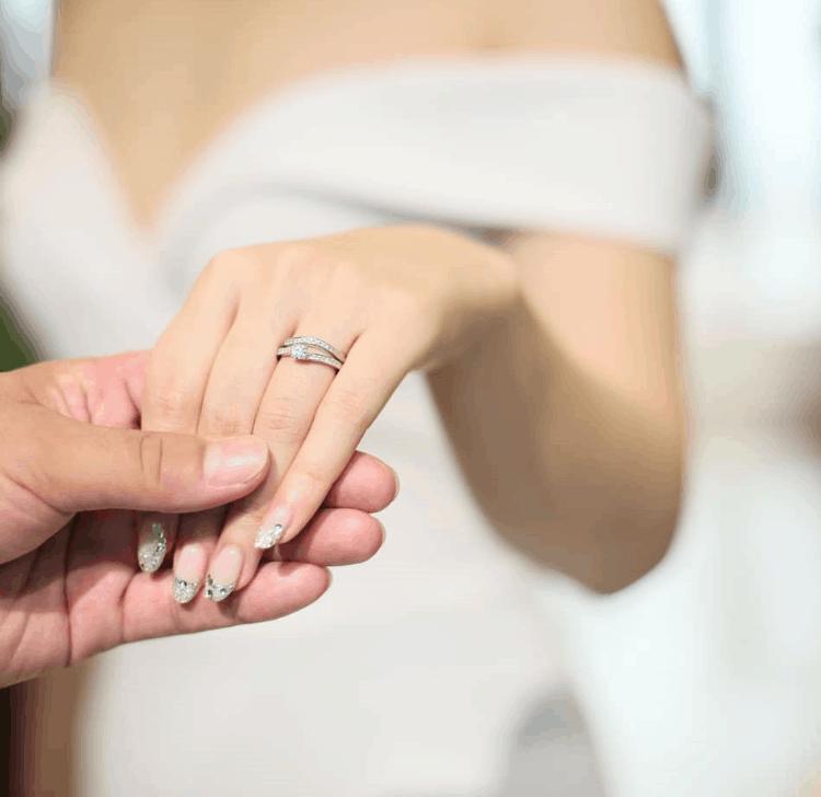ラザールダイヤモンドの結婚指輪・婚約指輪が人気!口コミや評判も紹介のカバー写真