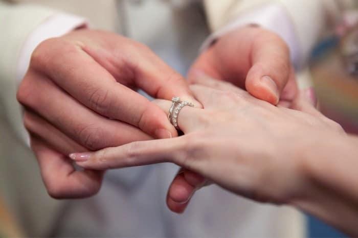 TASAKIの婚約指輪はパールもおすすめ!一生の贈り物になるリングを紹介のカバー写真 0.6657142857142857