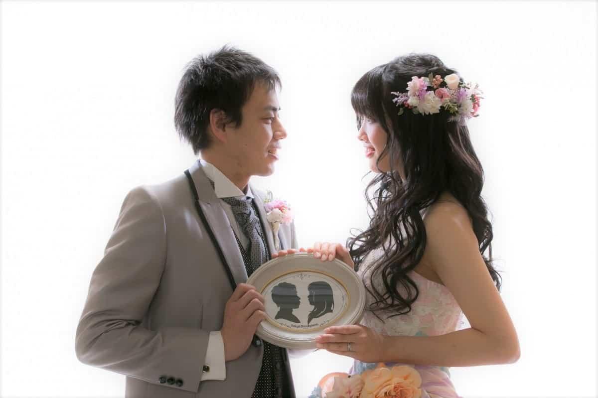 結婚式で飾りたい♡世界に1つだけの自分たちの切り絵をディズニーでつくっちゃおう♪のカバー写真
