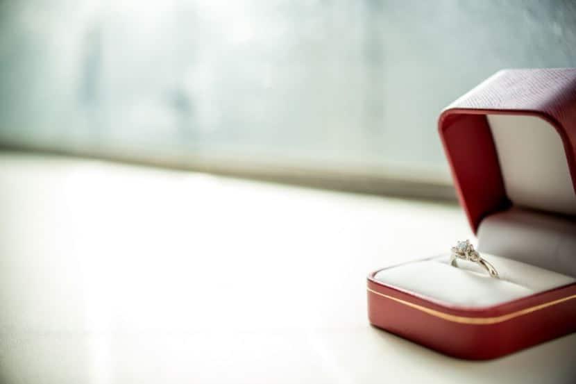 婚約指輪をオーダーメイドで特別に♡東京の人気店など8店舗をご紹介のカバー写真 0.6662650602409639