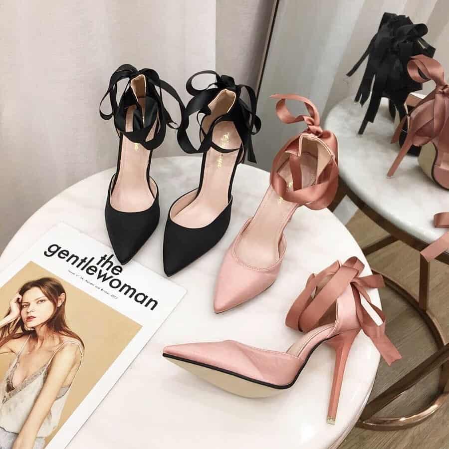 結婚式お呼ばれ靴♡ヒールの高さや形などOK・NGなマナーを確認!のカバー写真 1