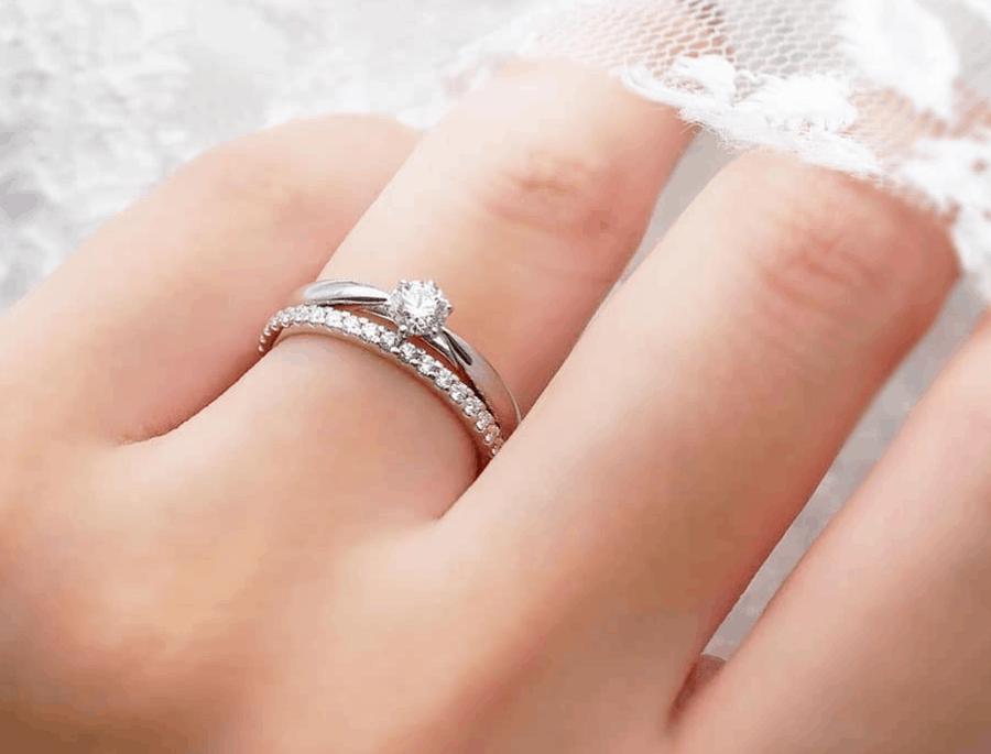 結婚指輪はプラチナが人気な5つの理由!2020年人気のブランドのデザインはこちらのカバー写真