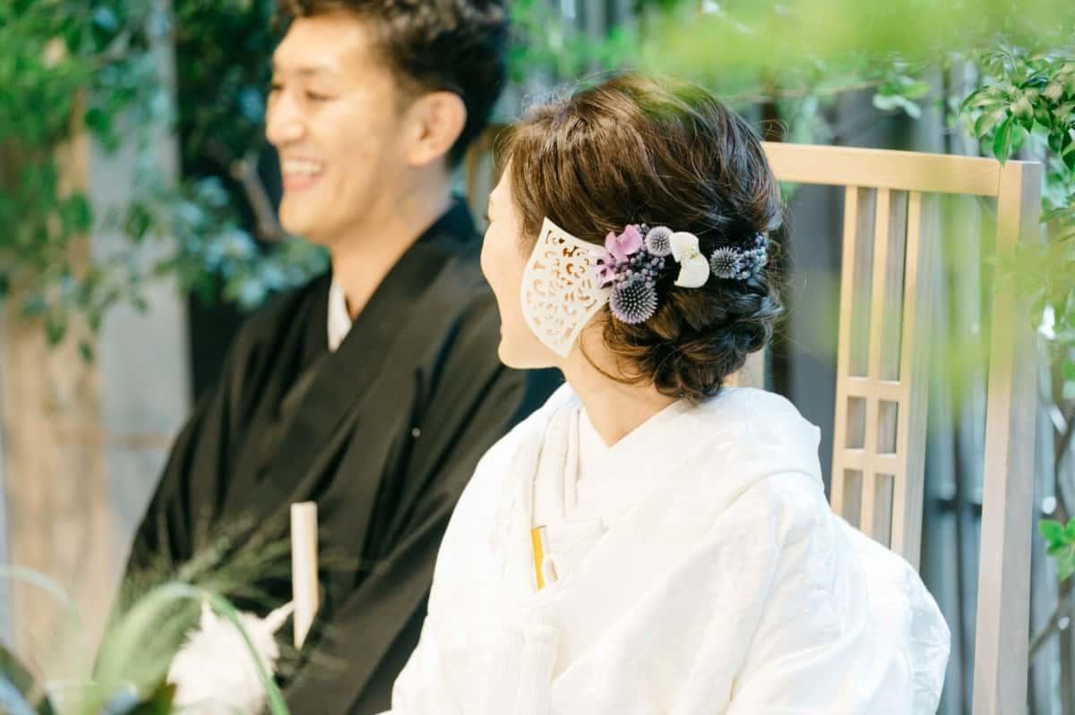 和装結婚式に人気の髪飾り特集♡衣装とヘアスタイルに合わせて選ぼうのカバー写真 0.6658333333333334