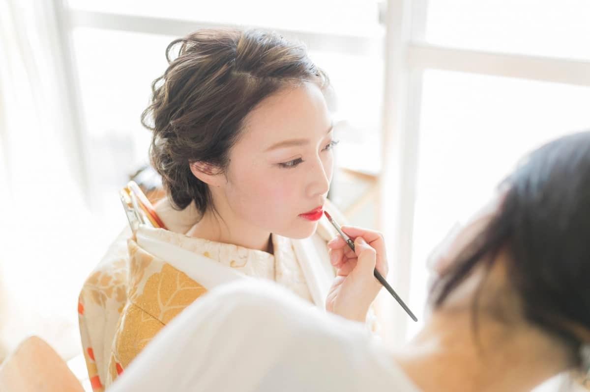 結婚式の和装メイクまとめ♡花嫁・ゲスト別にメイクのコツを紹介のカバー写真