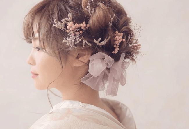 和装用の髪飾りを手作りしちゃおう♪100均アイテムで叶える花嫁DIYのカバー写真