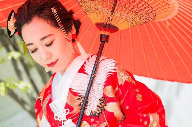 かんざしで和装結婚式を華やかに♩花嫁・ゲスト別におすすめを紹介のカバー写真