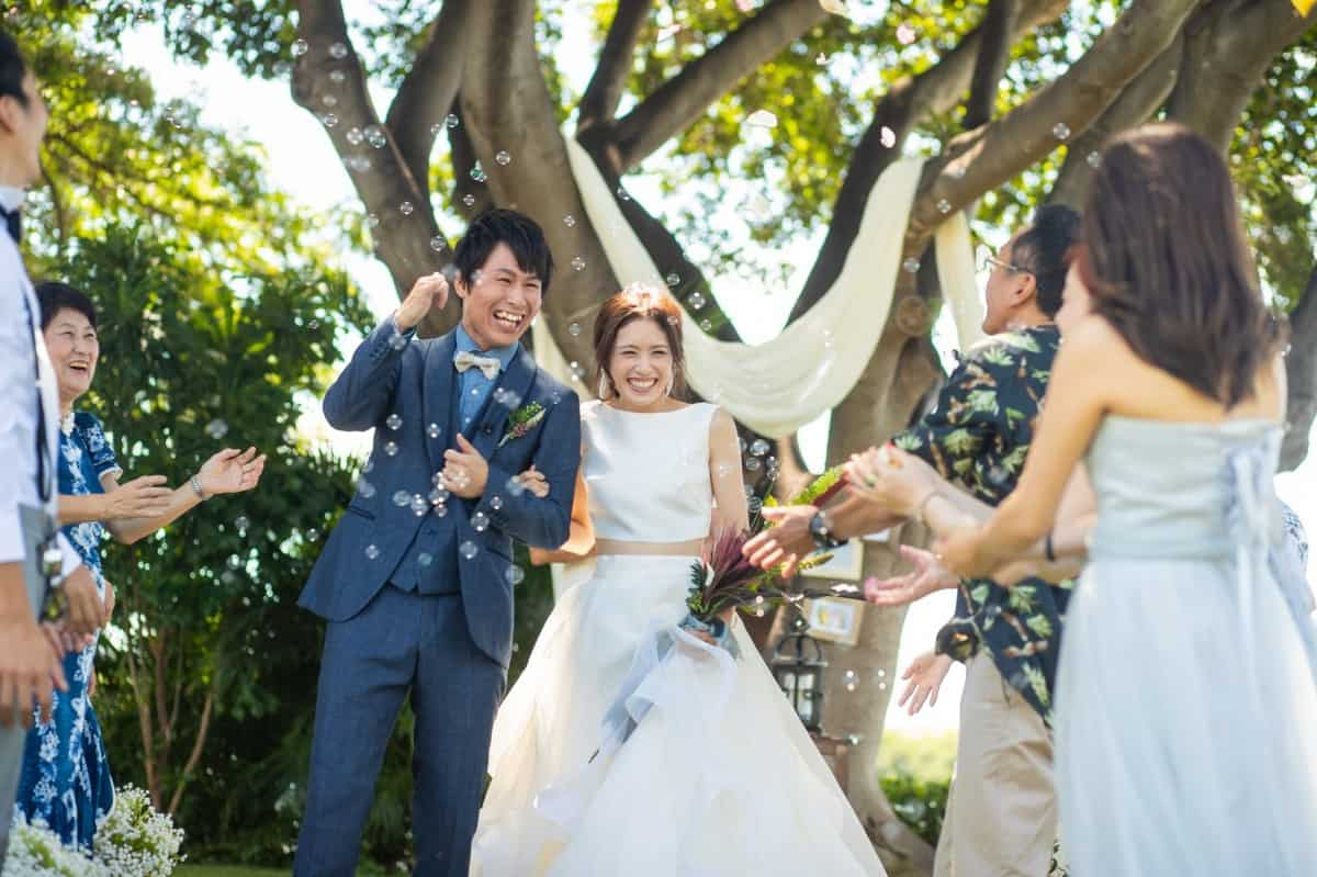 結婚式は白い歯で!ホワイトニングに通えない人にもおすすめの歯磨き粉6選のカバー写真