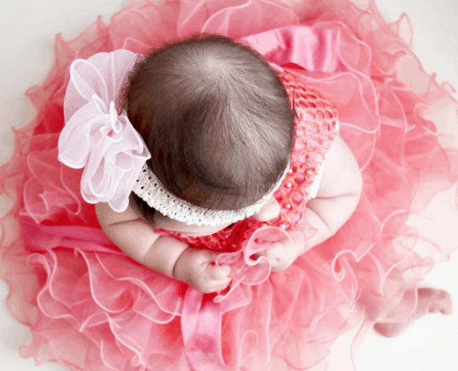 結婚式に赤ちゃんを連れていくときのマナーは?服装やご祝儀などの知識を大公開のカバー写真
