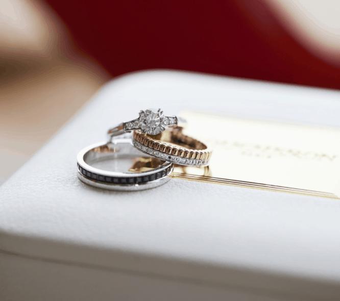 結婚指輪はダイヤありが人気!後悔しない選び方も紹介のカバー写真 0.8858858858858859