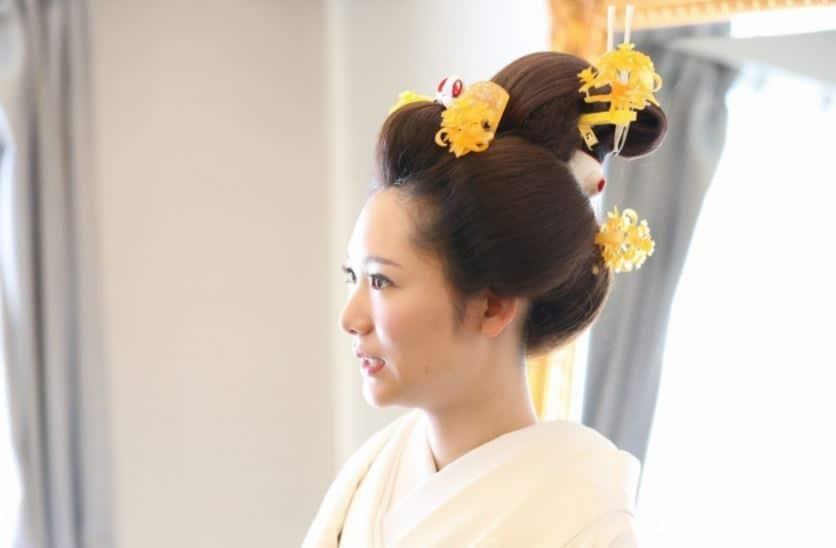 文金高島田で日本髪を美しく♡結婚式の和装が映える髪型&アレンジ特集のカバー写真 0.6555023923444976