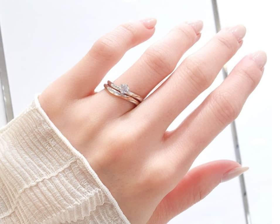 ピンクゴールドの結婚指輪に注目!素材の魅力やおすすめデザイン15選のカバー写真