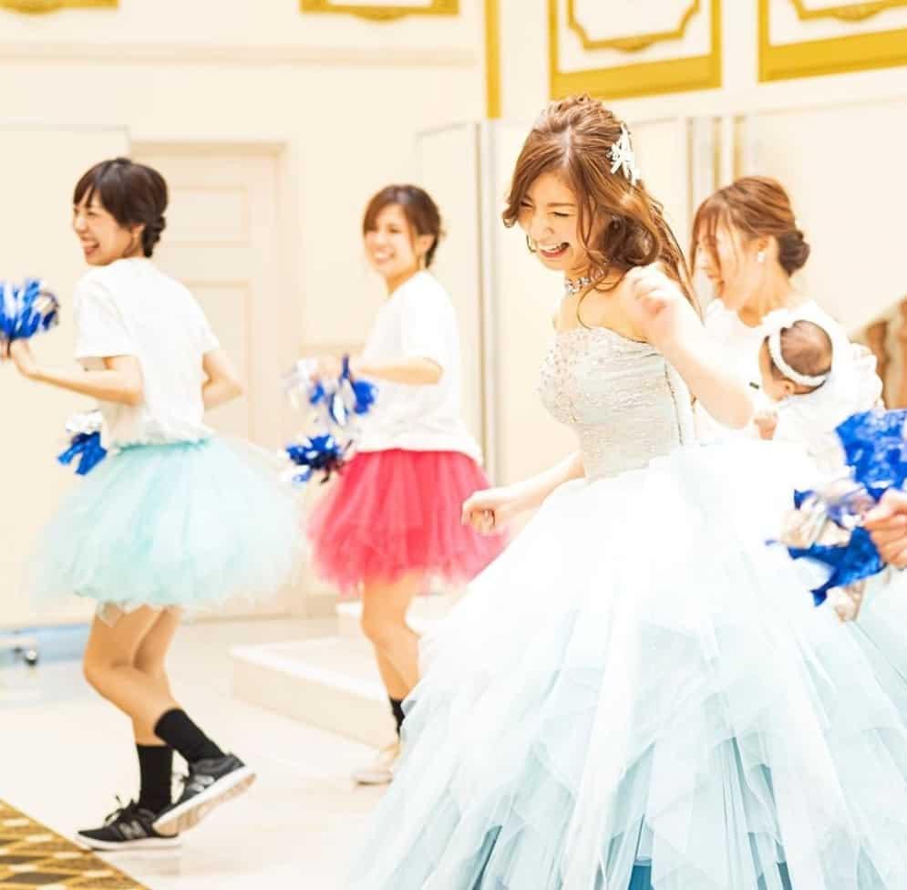 結婚式をダンスで盛り上げたい!余興におすすめの曲はコレのカバー写真 0.9809045226130654