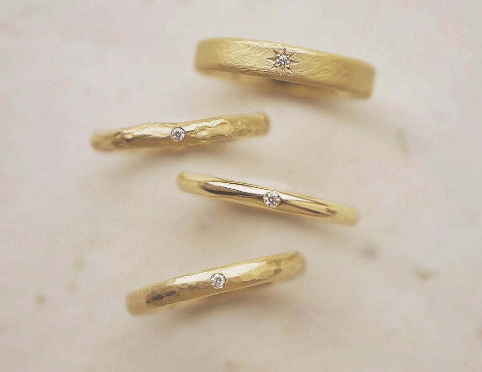 ゴールドの結婚指輪 が人気!メリット・デメリットと人気のデザイン10選のカバー写真