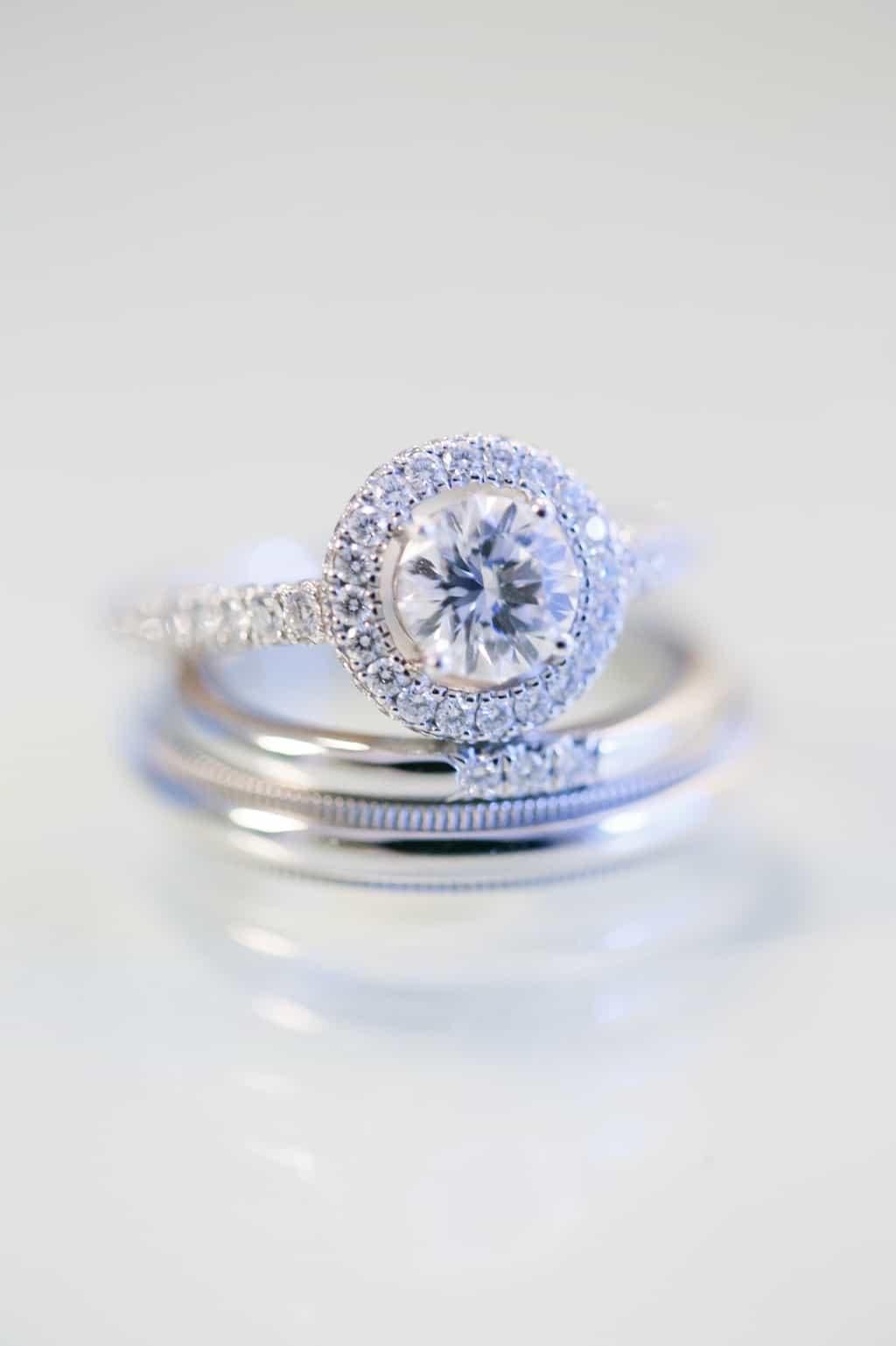 最高級ダイヤGRAFF(グラフ)の婚約・結婚指輪の人気デザインと実際に購入した先輩花嫁の口コミまとめのカバー写真