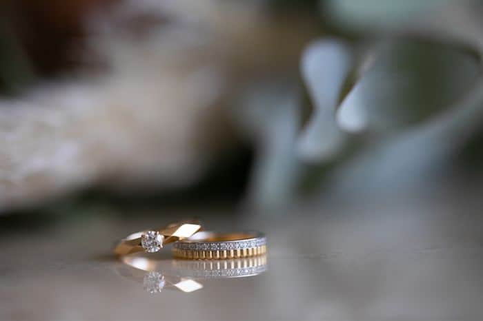 婚約指輪リフォーム*理想のデザインになるか実例や相場を参考に♡のカバー写真 0.6657142857142857