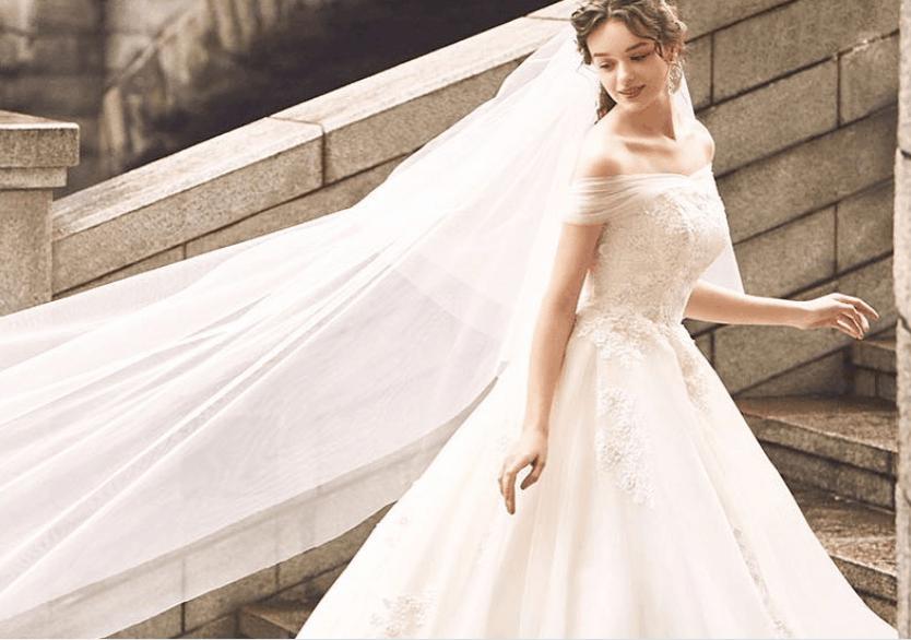ウェディングドレスが購入できるショップ4選♡購入のメリットやドレスもたっぷり紹介!のカバー写真 0.7026378896882494