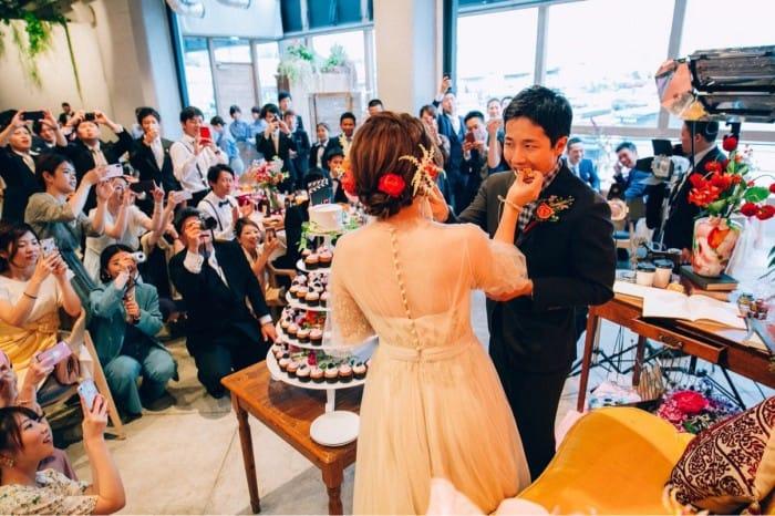 花嫁さんの二次会&1.5次会ドレスに!格安ドレスショップ8選のカバー写真