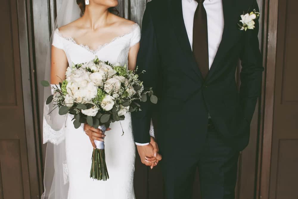 人前式ってどんな結婚式?意味・流れ・費用まで総まとめのカバー写真