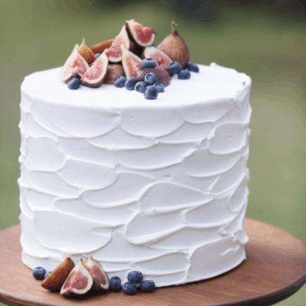 《クリームの塗り方》でセンス溢れるウェディングケーキに♡クリームアレンジ25選*のカバー写真 1