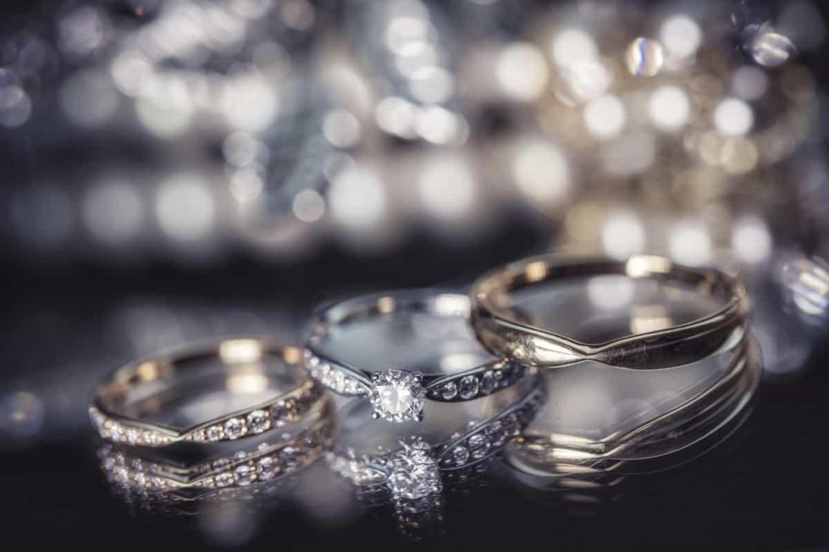 【ティファニー】ハーモニーの結婚指輪が気になる!重ね付けしやすさが人気のヒミツ♪のカバー写真