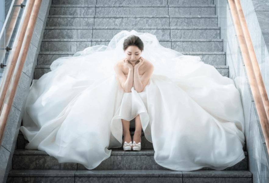 『お金をかけ過ぎた!』先輩花嫁の失敗談から学ぶ節約のコツ*のカバー写真