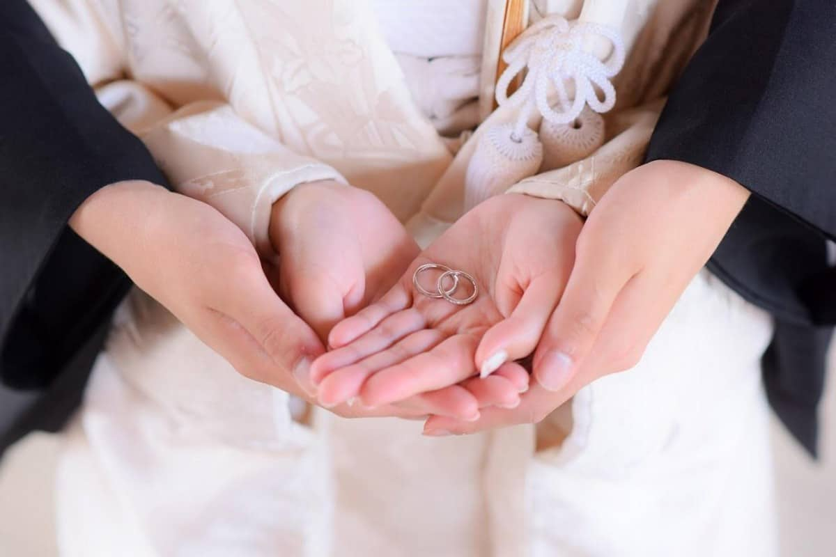 安いのに高品質!プラチナ結婚指輪が10万円以下で買えるブランド5選のカバー写真