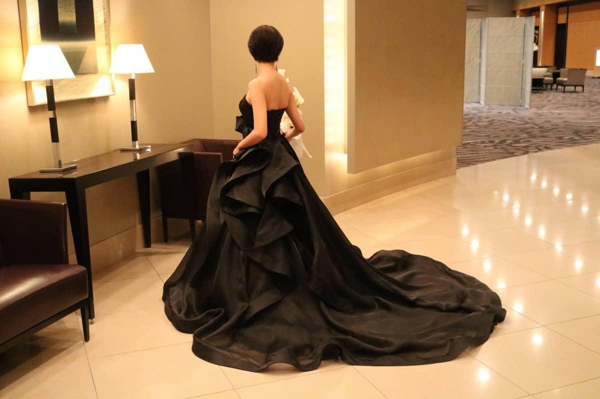 トレンドの予感♡黒のウェディングドレスの魅力を徹底解説*のカバー写真