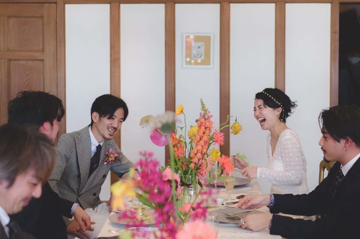 特別なゲストに心を込めて♡少人数結婚式におすすめの演出23選!のカバー写真 0.665