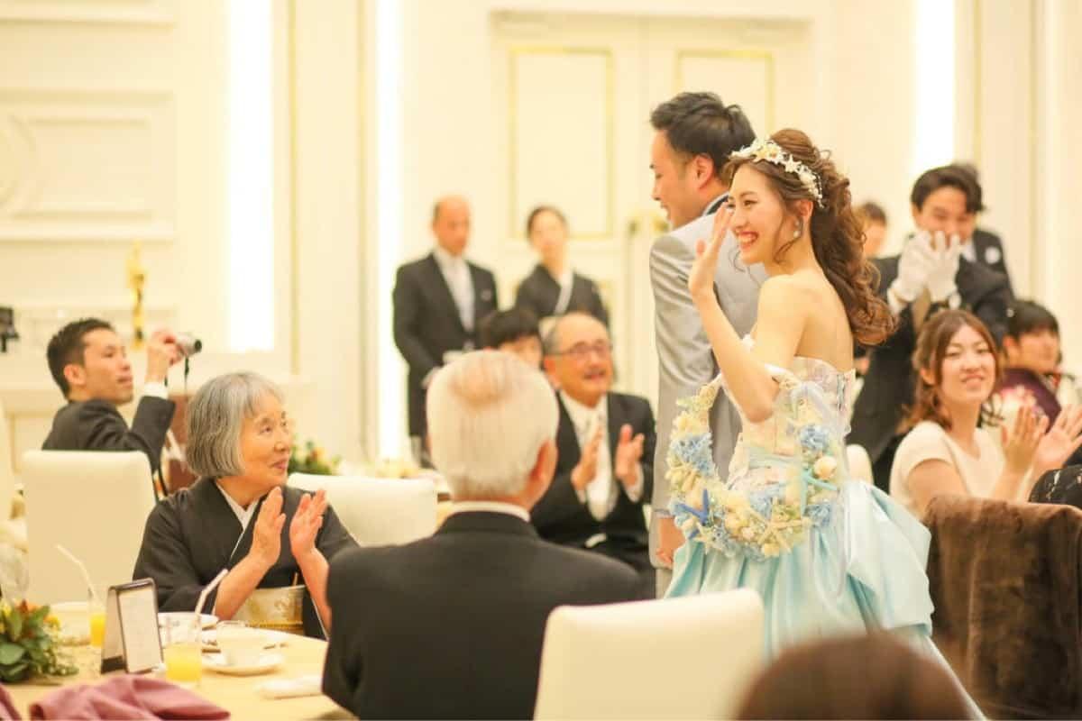 結婚式の席順はどう決めるの?基本のマナーと気配りのポイントをチェックしよう♪のカバー写真