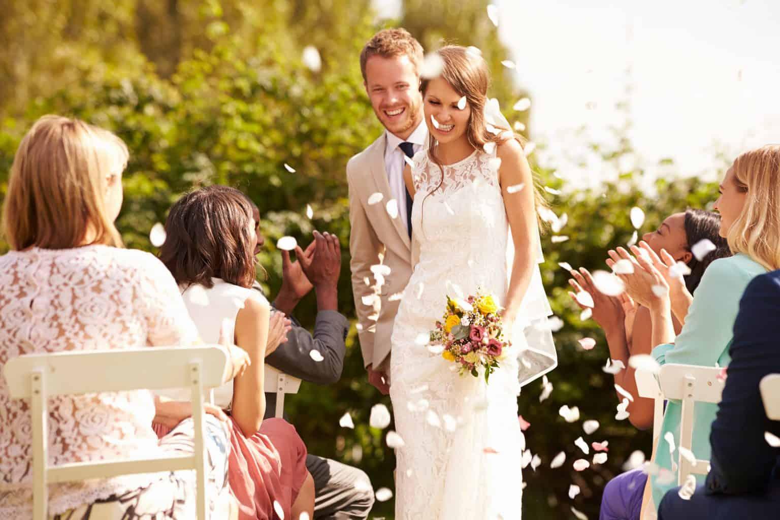 結婚式の挙式スタイル総まとめ♡教会式・人前式・神前式・仏前式の流れや費用は?のカバー写真