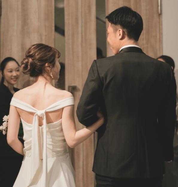 【9/3更新】2020年秋・冬婚さんに聞いた!『結婚式決行する?延期する?』のカバー写真
