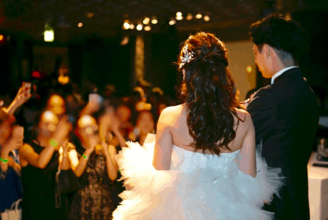 結婚式二次会人数の平均は?決め方やゲストへの配慮するポイントも*のカバー写真