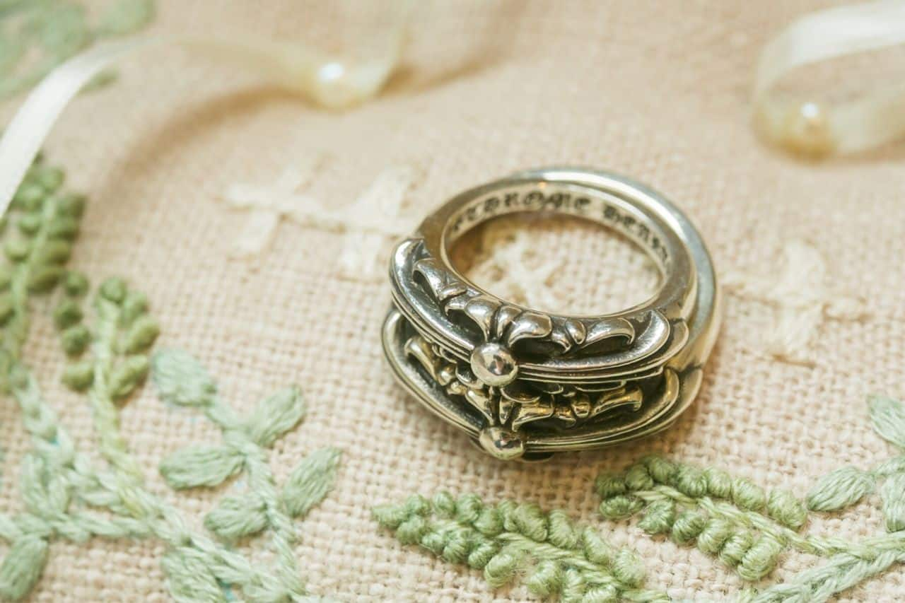 クロムハーツの結婚指輪をたっぷりご紹介♡先輩花嫁の口コミもチェック!のカバー写真 0.66640625