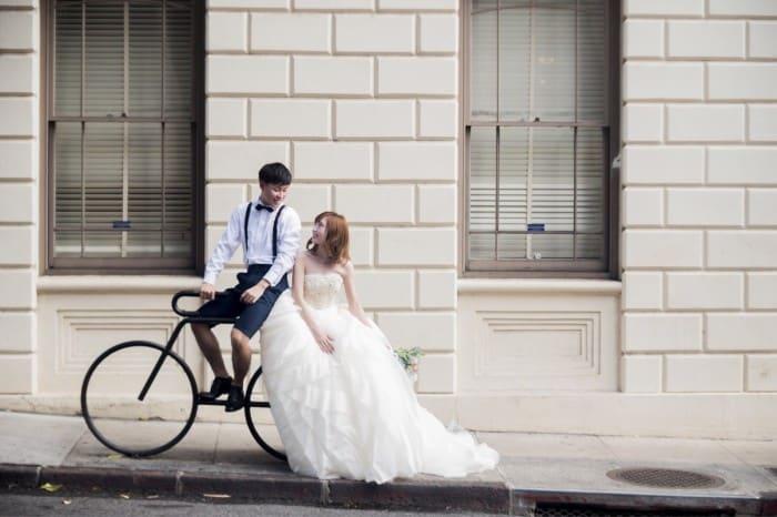 『結婚式を安くしたい♡』を叶える節約術を元プランナーが本気で解説します*費用を抑える5つのポイントのカバー写真 0.6657142857142857