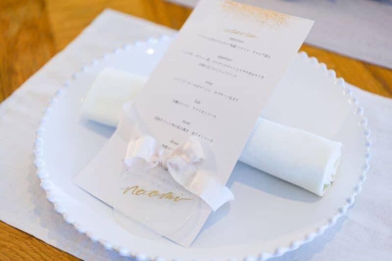 結婚式のメニュー表の手作りアイデア7選!実例も併せてチェック♡のカバー写真 0.6675