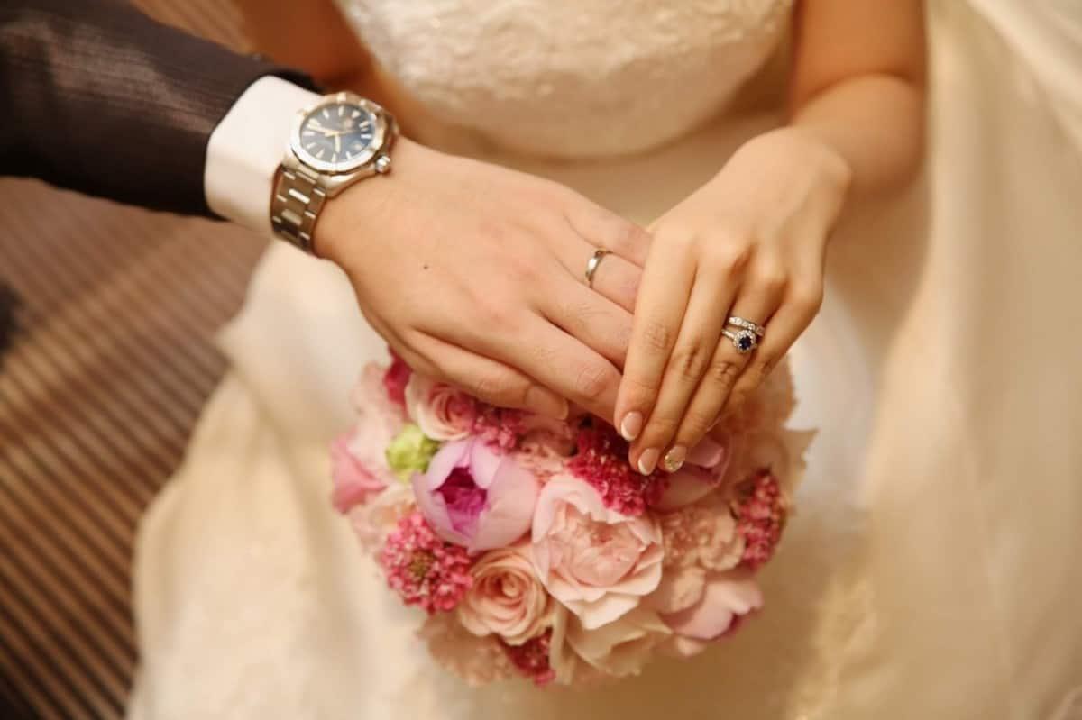 ダイヤ以外の婚約指輪も素敵♡ルビーやサファイヤなどの宝石大特集!のカバー写真 0.6658333333333334