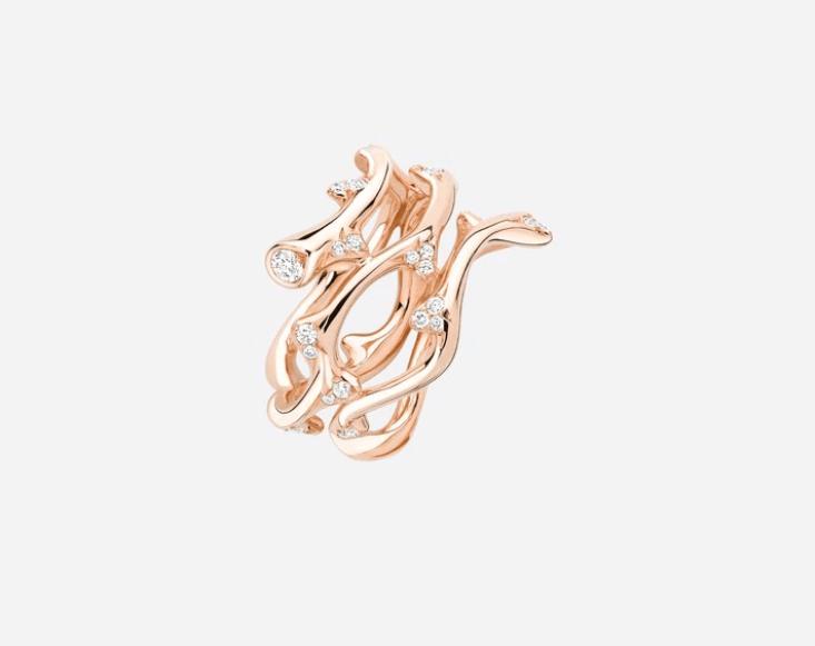 ディオールの結婚指輪・婚約指輪の魅力とは?デザインや口コミも紹介♡のカバー写真