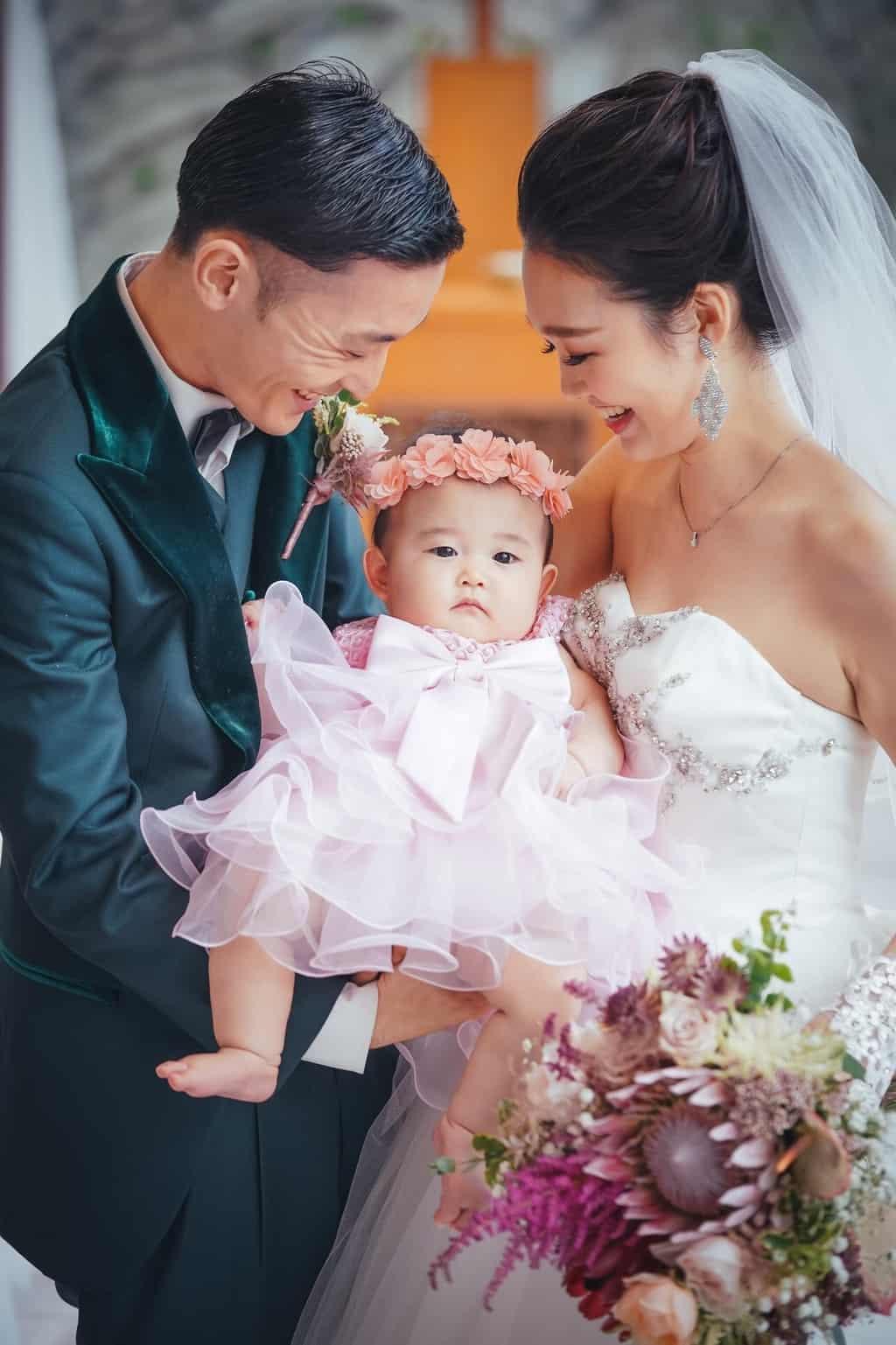 結婚式におすすめベビードレス22選!選び方やおしゃれなコーデも紹介♡のカバー写真
