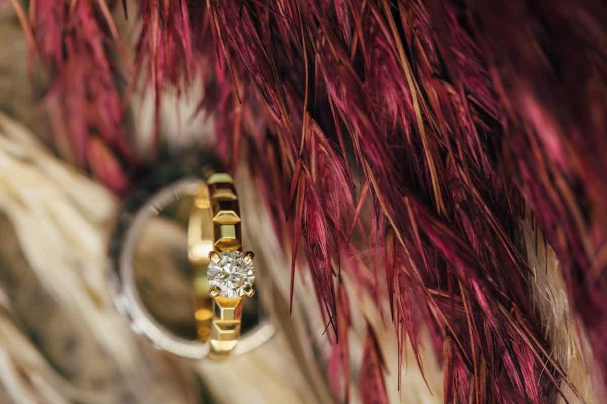 ブシュロンの婚約指輪が気になる♡ラインナップや相場・評判を大特集のカバー写真