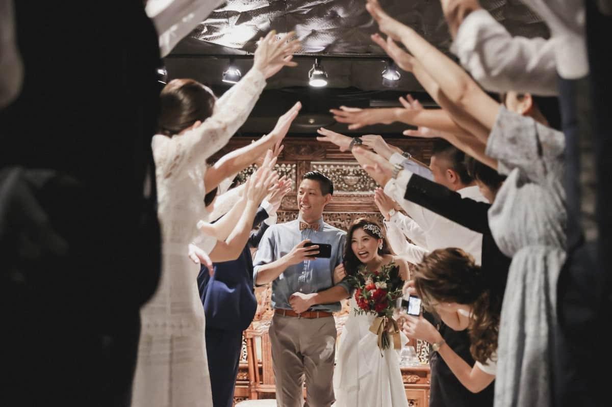 結婚式二次会のおすすめ曲24選*素敵なBGMで入場前から見送りまで盛り上げよう♡のカバー写真